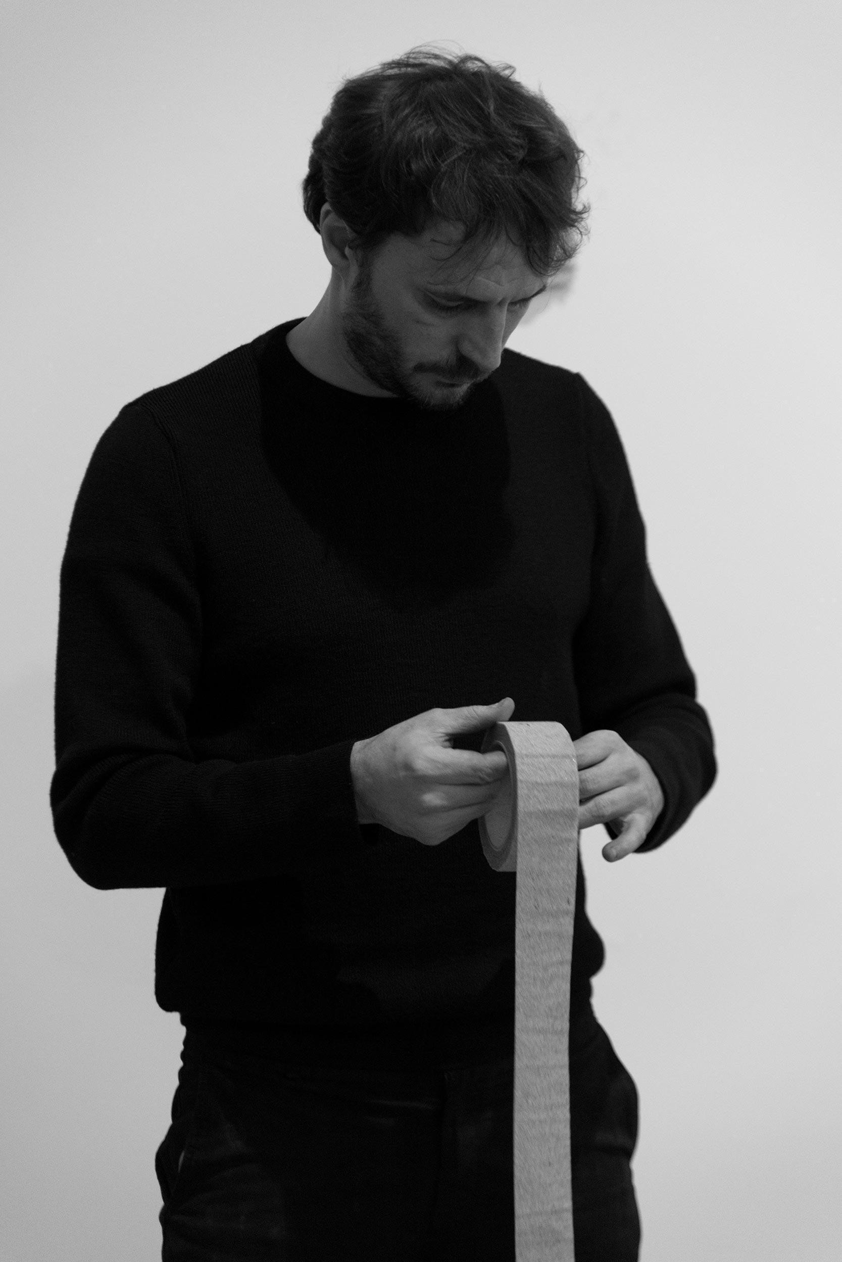 Ismaïl Bahri, Portrait de l'artiste, 2019 © Isabelle Arthuis, Courtesy of Fondation Hermès